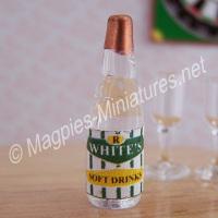 R Whites Lemonade - Glass