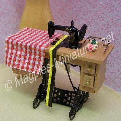 Sewing Machine & Accessories