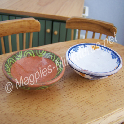 Set of 2 Fruit Bowls