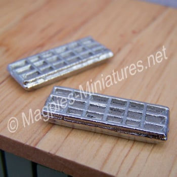 Pair of Metal Ice Trays