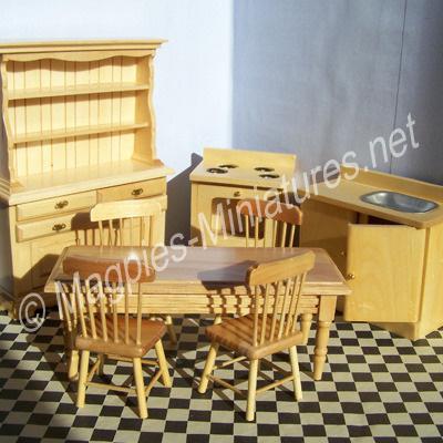 Kitchen Set in Pine