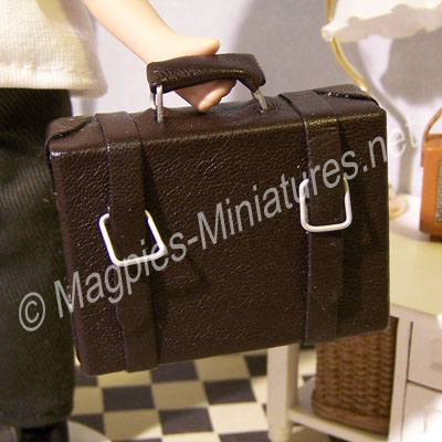 Medium Leather Suitcase