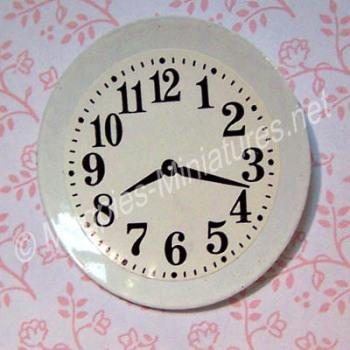White Plate Clock