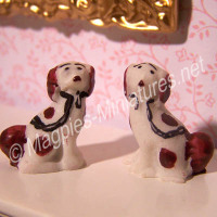 Pair of Staffordshire Dogs ornaments - Brown