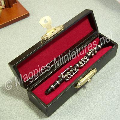 9348 oboe in case