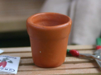 Medium Flower Pot - Terracotta