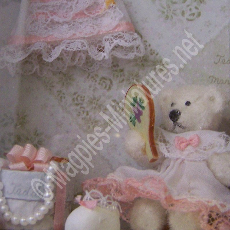room with a view - teddy mirror-g4820