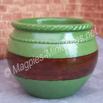 Large Planter Green Brown. Best Quality
