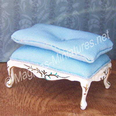 013 - French/Victorian Living Room - Foot Stool - Jiayi