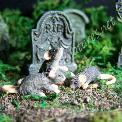 3 Black Mice / Rats