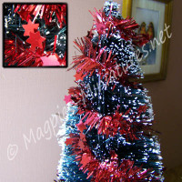 Star Tinsel Red