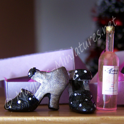 gift shoes wine