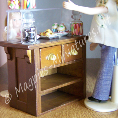 8133a display with removable perspex top - drawer side