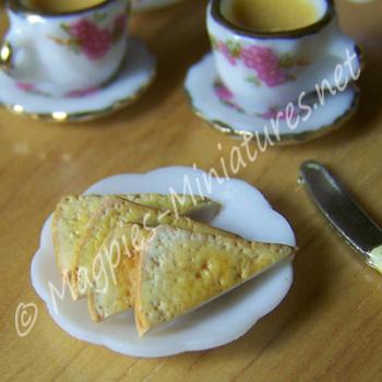 Plate of toast Breakfast