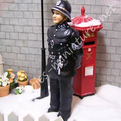 Bobby - Policeman - Resin