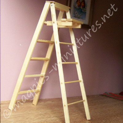 Doll House Miniature-Wooden Stepladder