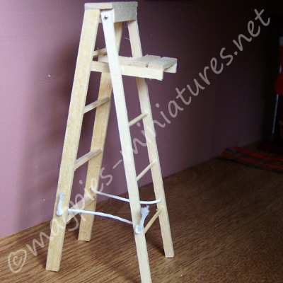 Doll House Miniature-Wooden Stepladder - Small