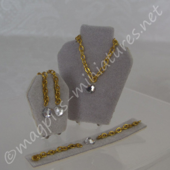 """Diamond"" Jewellery Set Display"
