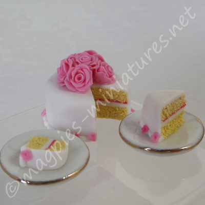 Decorative Cut Rose Cake