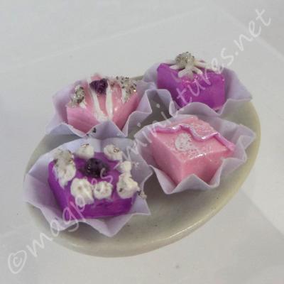 Pastel Celebrated cakes plates