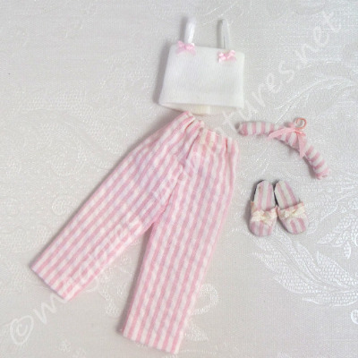 Ladies Pyjamas With Slippers And Hanger