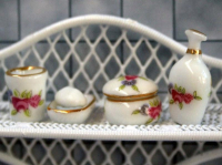 Set Of China Vanity Accessories (6 Pieces)