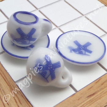Cups and Saucers, Decorative windmill pattern