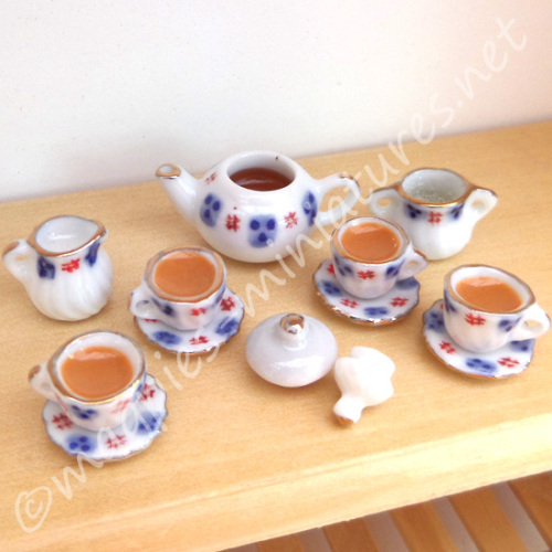 Blue And Red Tea  Set