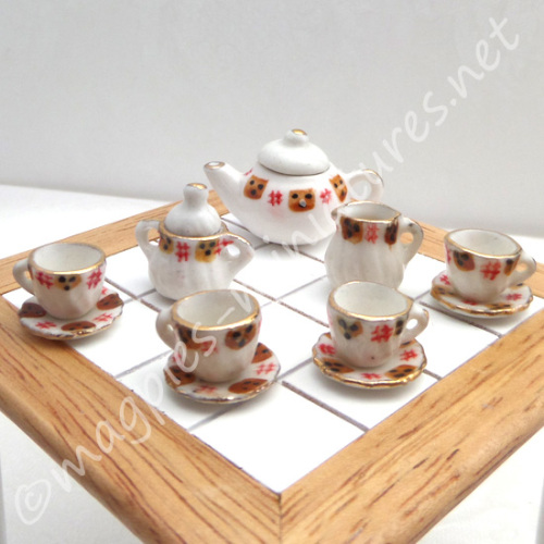 Black And Red Tea Set