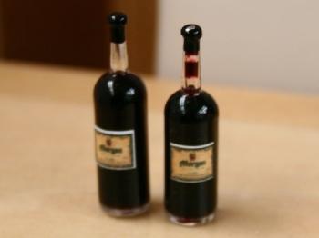 Two Bottles of Wine Set