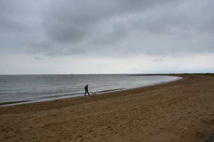 Clacton on sea beach and white waves2