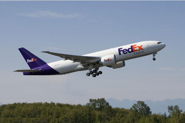 fedex-planes-go-green-in-london