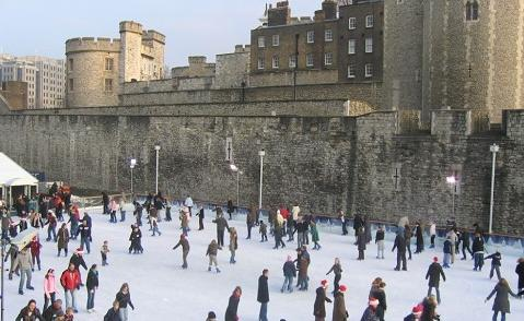 tower of London ice rink pic
