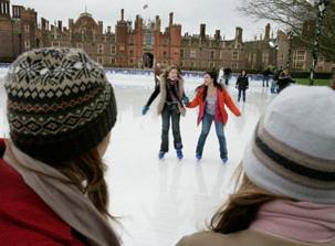 hampton court ice rink pic