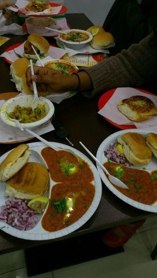 sri-krishna-vada-pav-hounslow