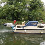 London private and cruise boat hire 172
