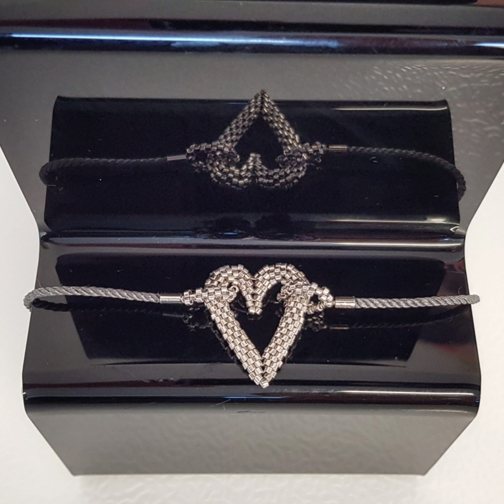 Pewter metallic coloured sliding clasp bracelet