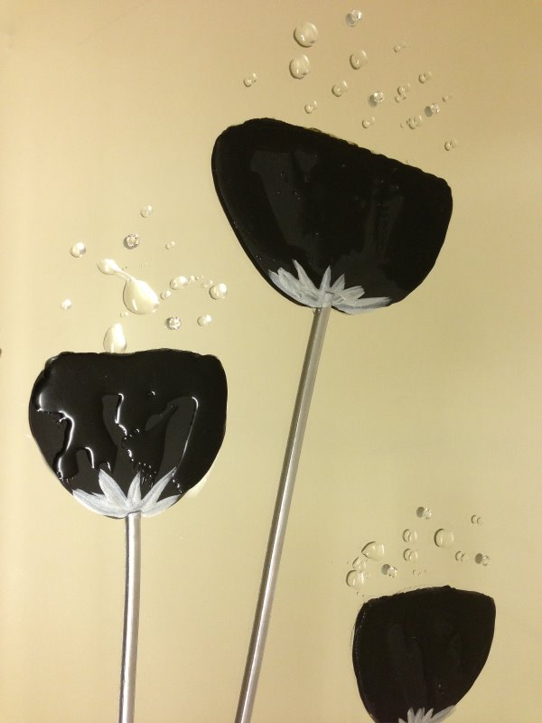 Black Poppies Mirror 3020 detail