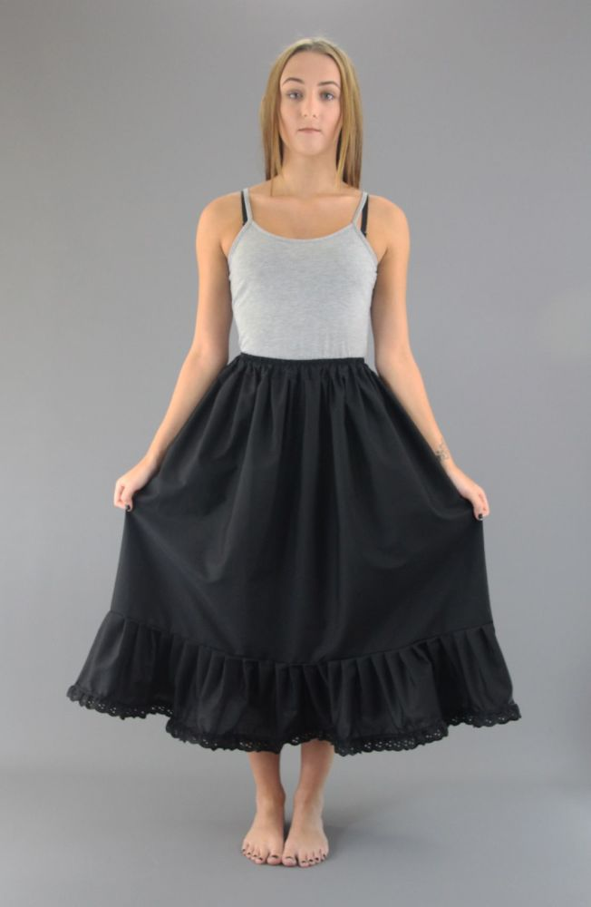 Broderie-Anglaise-Cotton-Petticoat Black