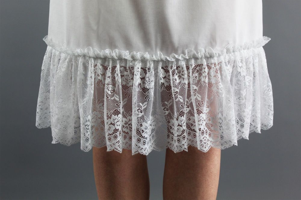 Extra-Wide-Floral-Lace-Slip