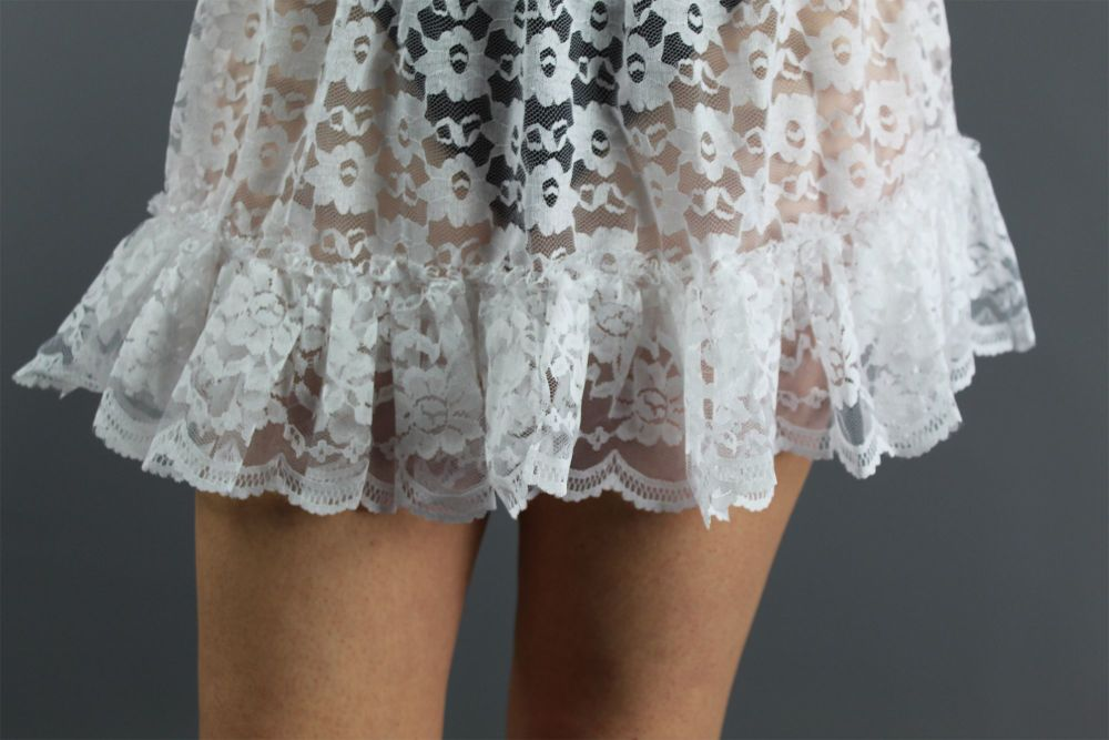 Mini-White-Lace-Skirt