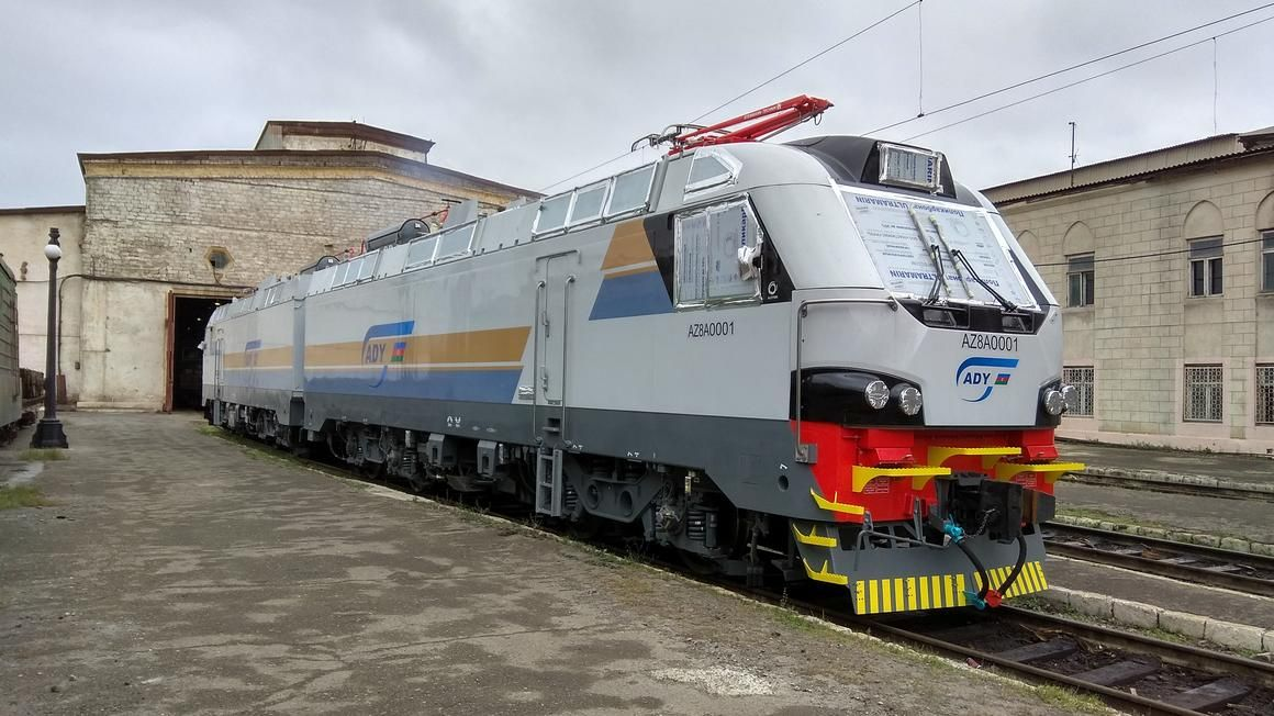 Alstom freight locomotive pictured shortly after arrival in Azerbaijan