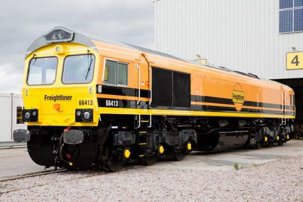Class 66 locomotive in Freightliner livery
