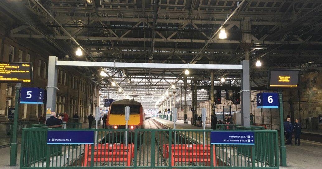 Image showing LNER Class 91 in new Edinburgh Waverley platform