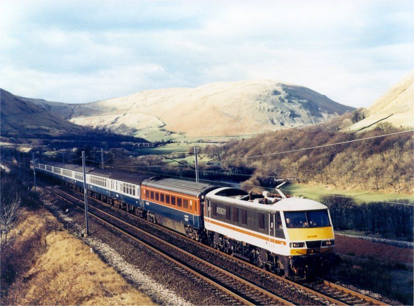 Image showing a Class 90 on test in the Lune Gorge