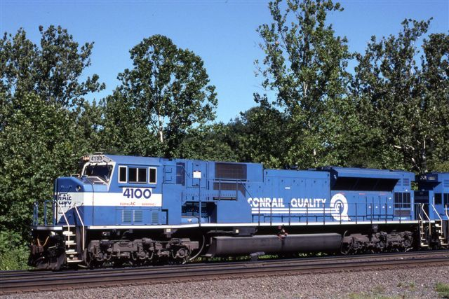 Image showing 5,000 horsepower EMD SD80MAC 4100 in Conrail livery