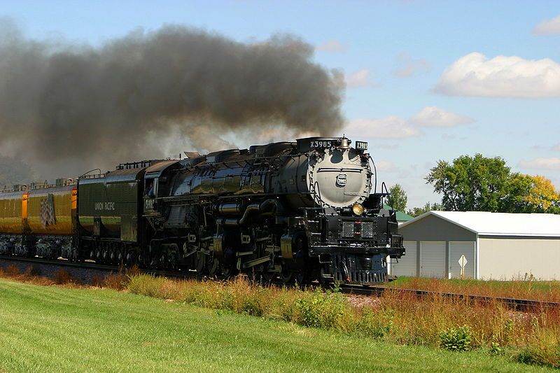Image showing Challenger 3985 steaming past Alton, IA