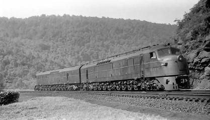 Image showing   Pennsylvania Railroad class BH50 locomotive - a Baldwin Centipede - at Horseshoe Curve near Altoona, Pennsylvania on July 15, 1953