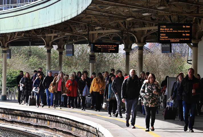 Image showing passengers at railway station