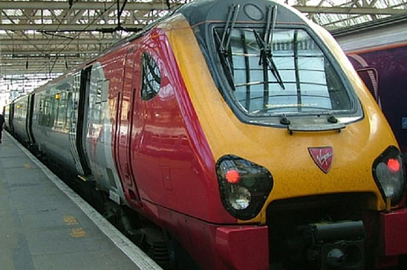 Image showing Virgin/Stagecoach Voyager train at station